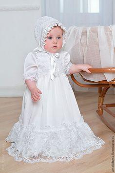 Купить или заказать крестильное платье в интернет-магазине на Ярмарке Мастеров. Шелковое платье с кружевом, расшито бисером.
