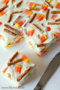 Candy Corn Pretzel Fudge. YUM! #fudge