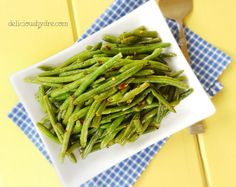 roasted caramelized green beans, healthy side dish