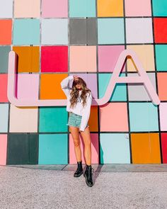 Instagram Wall, Instagram Pose, Friend Poses Photography, Girl Photography, Best Photo Poses, Picture Poses, Sarah Betts, Friendship Photoshoot, Solo Photo