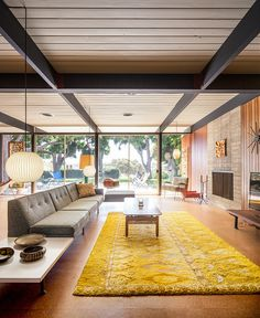 Bobertz Residence by Craig Ellwood (1953) Living area | Photo ©Darren Bradley