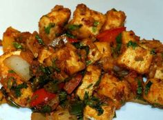 Shanghai Paneer is an aromatic flavor of Indian cottage cheese cooked with Chinese sauces and cashew nuts. It is traditional classic style of making the Indo Chinese recipe in the variant of sauces and veggies