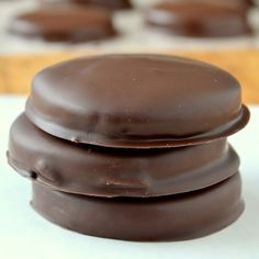Homemade Thin Mints - The View from Great Island. By the time I dipped these cookies in the peppermint infused chocolate I was positively giddy. These are exact replicas of Thin Mints. Cookie Desserts, Just Desserts, Cookie Recipes, Delicious Desserts, Dessert Recipes, Yummy Food, Dessert Healthy, Healthy Foods, Healthy Eating