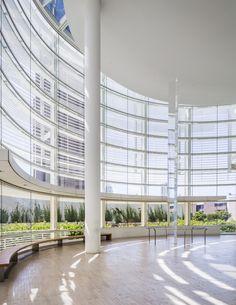 Curve Building, Building Facade, Building Design, Richard Meier, School Architecture, Architecture Details, Landscape Elements, Church Design, Museum Of Contemporary Art