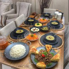 Akşam yemegi için fikir olsun sizlere🤗 Via: Ne yemek yapsam diye düşünmeyin bizi takip edin😊 👉 Videolutarif… Ramadan Recipes, Ramadan Food, Yami Yami, Backyard Seating, Time To Eat, Iftar, Food Presentation, Interior Design Living Room, Meal Prep