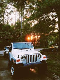 Jeep fährt in der Familie - Jeeps - Auto Jeep Wranglers, Wrangler Jeep, Auto Jeep, Jeep Cars, Jeep Truck, Jeep Jeep, My Dream Car, Dream Cars, Jeep Wallpaper