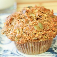 Fuel to Go Muffins, these muffins are loaded with chia seed, hemp seed, pumpkin . Fuel to Go Muffi Healthy Baking, Healthy Treats, Healthy Recipes, Vegan Baking, Little Lunch, Gula, Good Food, Yummy Food, Healthy Muffins