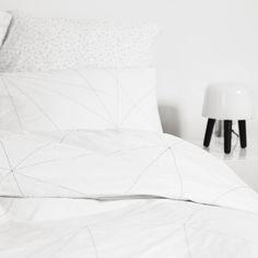 Geometric web bedding