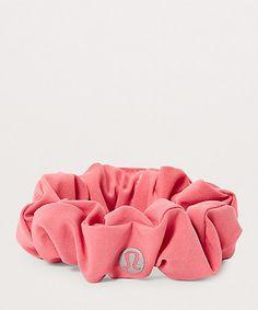 lulu lemon uplifting scrunchie: colors lilac quartz, flash light tone or black