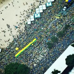 I have just flown over the massive protest in Copacabana demanding the resignation of recently elected Brazilian president Dilma Rousseff. It is sad to see my country's democratic integrity corroded by so much power and corruption. @vikmuniz #seeingthroughphotographs by themuseumofmodernart