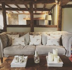 50 French Country Living Room Design And Decor Ideas - Home Living Room Pillows, Cottage Living Rooms, My Living Room, Living Room Decor, Couch Pillows, French Country Kitchens, French Country Living Room, Style At Home, Estilo Country