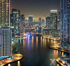 """""""Marina Cañón"""", de Daniel Cheong ....  Dubai es la ciudad más poblada de los Emiratos Árabes Unidos. Se encuentra en la costa sureste del Golfo Pérsico y es uno de los siete emiratos que conforman el país. Abu Dhabi y Dubai son los únicos dos emiratos para tener poder de veto sobre los asuntos críticos de importancia nacional en la legislatura del país. La ciudad de Dubai está situado en la costa norte del emirato y dirige el Dubai-Sharjah-Ajman"""