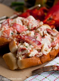 Forget the subs and create homemade New England lobster rolls just in time for the big New England Patriots game!