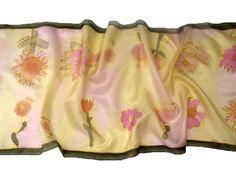 Ovisok rajzaival készült selyem sál. További ballagási ajándék ötletek óvónéniknek: http://silkyway.hu/ajandek-noknek/ajandek-ballagasra-tanaroknak-ovonoknek.html