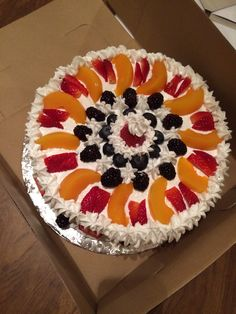French vanilla with whipped icing & fresh fruit