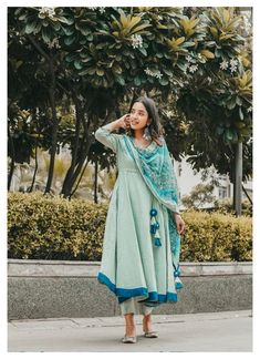Dress Indian Style, Indian Dresses, Indian Outfits, Tunic Designs, Kurta Designs Women, Classy Dress, Dress Casual, Western Dresses For Girl, Pastel Color Dress