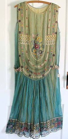 ☯☮ॐ American Hippie Bohemian Style ~ Boho Summer Gypsy Chiffon Dress! Not sure what this would look like on but looks great Hippie Stil, Estilo Hippie, Hippie Boho, Boho Gypsy, Gypsy Style, Bohemian Style, Boho Chic, Fashion Moda, Boho Fashion