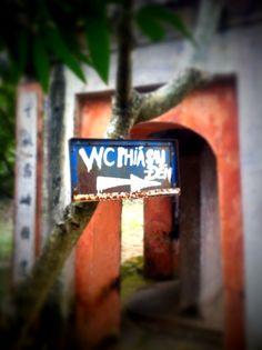 Vietnam  Les empeureurs étaient prévoyants.... Vietnam, Photographs