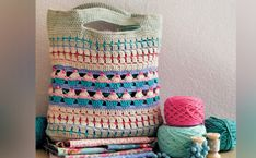 Crochet this cute bag with its muffin design