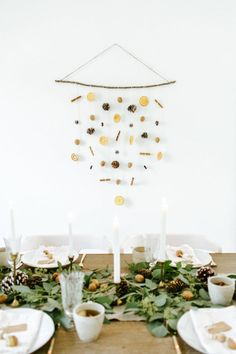 A Chic Handmade Holiday Dinner Party. A Chic Handmade Holiday Dinner Party. A Chic Handmade Holiday Dinner Party. Easy Holiday Decorations, Dinner Party Decorations, Thanksgiving Decorations, Table Decorations, Table Place Settings, Setting Table, Thanksgiving Table Settings, Thanksgiving 2020, Decorating Tips