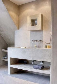 pavimento e bagno con lavabo in microcemento di Pavimento Moderno