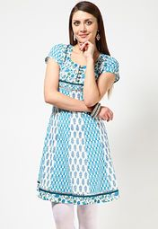 A blue coloured kurta for women from Anahi. Made from cambric, this printed kurta features a knee length, cap sleeves and a round neck.
