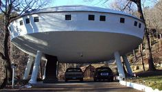 Spaceship House by Curtis King – Chattanooga, Tennessee. In case you were curious, this crazy house — which cost $250,000 to construct back in 1973 — comes with a retractable staircase.