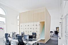 Amenagement Des Bureaux Ekimetrics by Estelle Vincent Architecture | 136 Avenue des Champs-Élysées, 75008 Paris, France