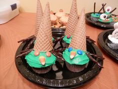 Easy to make witch cupcakes!