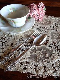 "Exquisite Antique Princess & Brussels Lace Tray Cloth 17"" x 10"" www.Vintageblessings.com"