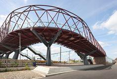 Pedestrian Bicycle Bridge - West8