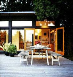 Great Outdoors: A Modern Exterior & Yard — Domino 06.08
