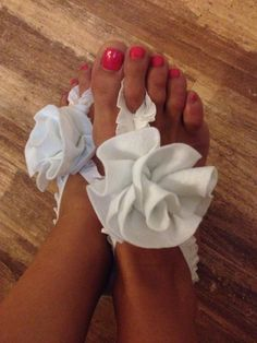 Felt rose anklet (foot thong) by BEADinSPACE. Beach wedding ideas
