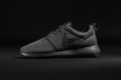 """Foot Locker Partners with adidas Originals and Nike to Release an Exclusive """"Triple Black"""" Collection - Roshe Run Woven -"""