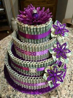 MONEY CAKE Birthday cake for my daughter. A antique ring her fafter gave me for the topper what to get for birthday ideas 25th Birthday Cakes, Birthday Cakes For Teens, Diy Birthday, Birthday Presents, Birthday Parties, 25th Birthday Ideas For Her, 30th Party, Birthday Money, Cake Party
