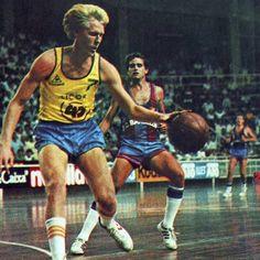 FCB vs Santa Coloma, 84/85. Craig Dykema and I. Solozabal.