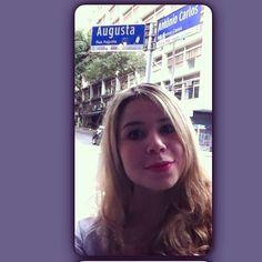 Selfie na rua mais mara de SP! #augusta #sp #street #backagain #brazil #saopaulo  #turistando #copa #vaitercopa #nightlife #SaoPaulo Check more at http://www.voyde.fm/photos/international-party-cities/selfie-na-rua-mais-mara-de-sp-augusta-sp-street-backagain-brazil-saopaulo-turistando-copa-vaitercopa/