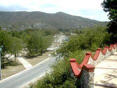Desde el restaurante Los Corales una vista de la carretera que atraviesa el Gran Parque Baconao