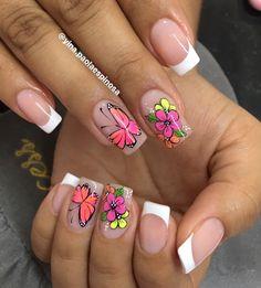 Nail Art Designs Videos, Long Nail Designs, Love Nails, Pretty Nails, Cream Nails, Floral Nail Art, Butterfly Nail, Nail Art Hacks, Stylish Nails