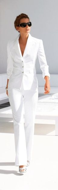 White outfit = I WISH I COULD find a suit like this one that actually fits! ::lesigh:: NOTE TO DESIGNERS EVERYWHERE: CURVES ARE A GOOD THING & SHOULD BE CELEBRATED. REAL designers KNOW how to dress CURVES NOT just make things that look beautiful on a HANGER.