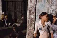 Alex Webb - CUBA. Havana. 2005. Centro Habana.