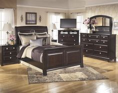 Ridgley Queen Bedroom Group by Signature Design by Ashley