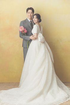 KOREAN WEDDING C-025 REYOO STUDIO : korea wedding pledge Korean Wedding Photography, Bride Photography, Couple Photography Poses, Wedding Poses, Wedding Photoshoot, Wedding Portraits, Wedding Dresses, Korean Photo, Dream Wedding