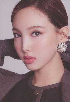 Kpop Girl Groups, Korean Girl Groups, Kpop Girls, Photo Scan, Sana Momo, Nayeon Twice, Twice Once, Minatozaki Sana, Im Nayeon
