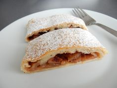 Oreo Cupcakes, Strudel, Sandwiches, Pie, Breakfast, Ethnic Recipes, Food, Basket, Torte