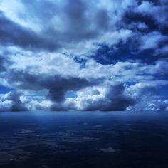 Why the Sky and the Ocean Are Blue: The Color of Distance and Desire – Brain Pickings