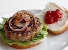 Turkey burgers w/ zucchini. THE BEST burger ever. Seriously, I would take these over a restaurant burger any day. Skinny Recipes, Ww Recipes, Great Recipes, Favorite Recipes, Healthy Recipes, Skinnytaste Recipes, Paleo Ideas, Amazing Recipes, Gourmet