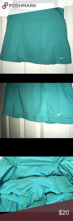 Nike Pleated Tennis Dri Fit Skirt Size Medium EUC Nike Women's Pleated Teal Tennis Dri Fit Skirt/Skort!!! This skirt is in Excellent Condition!! Size Medium!! Open to all offers!!!! Nike Skirts