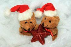 Mangler du de gode gaveideer til ham? Alle vil gerne finde og løbe køb den perfekte julegave til ham. Det kræver bare en helt vild god idé, hvilket dog kan være svært at finde, hvis han er en af de mange mænd, der stort set ikke mangler noget. Det kan dog heldigvis løses med et par gode ideer som de nedenstående gaveideer der virker på stort set alle mænd.  Køb den gode gaveide med en unik oplevelse Noget der efterhånden er en populær gave idé, det er oplevelsesgaver som ... | juleliv.dk