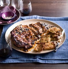 Brisket and Potato Cake - Our Seder - Monday Morning Cooking Club Passover Recipes, Jewish Recipes, Quick Dinner Recipes, Quick Meals, Feast Of Unleavened Bread, Food Network Recipes, Cooking Recipes, Israeli Food, Israeli Recipes
